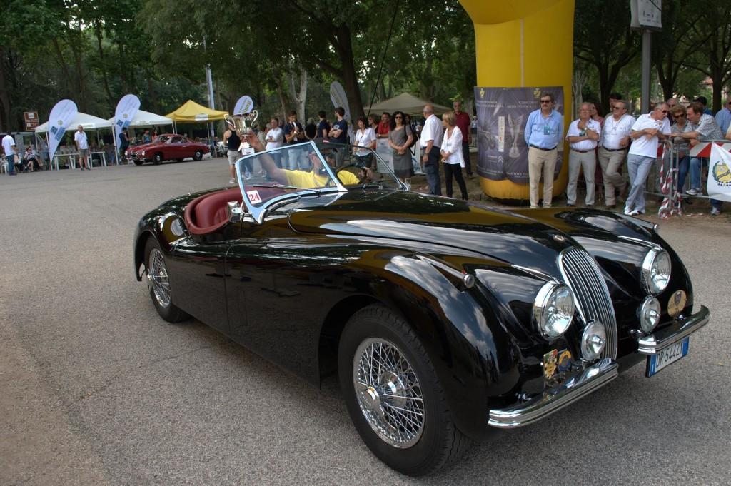 Jaguar_xk_120_1954